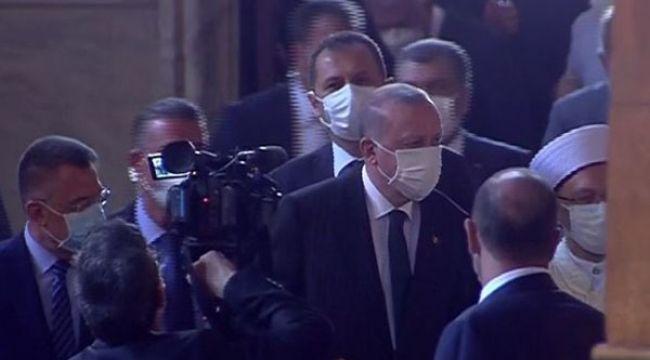 Cumhurbaşkanı Erdoğan, namaz için Ayasofya'ya geldi