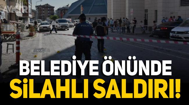Samsun'da Canik Belediyesi önünde silahlı saldırı