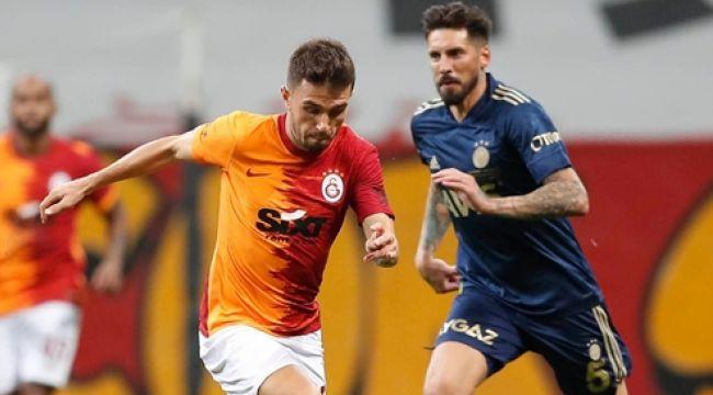 Galatasaray- Fenerbahçe derbisinde kural hatasından kıl payı dönüldü