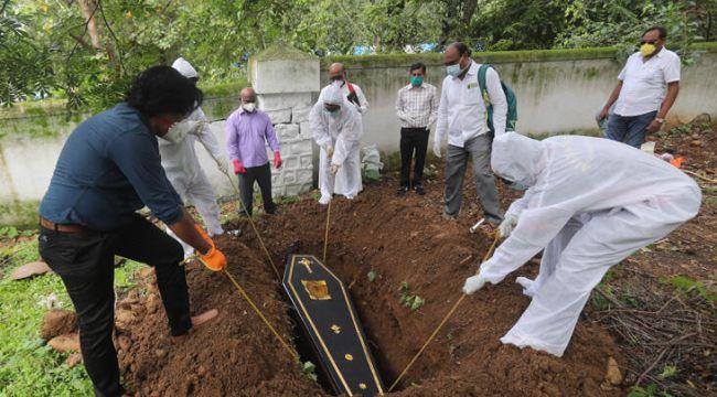 Meksika'da ölüm belgeleri tükendi, cesetler günlerce evde kalıyor
