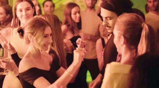 Ünlü isimlerin katıldığı Türkiye güzelinin ev partisinde koronavirüs paniği
