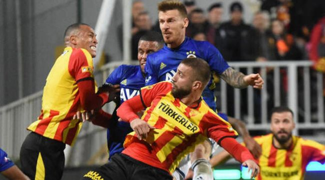 Fenerbahçe, deplasmanda Göztepe'yi 3-2 mağlup etti