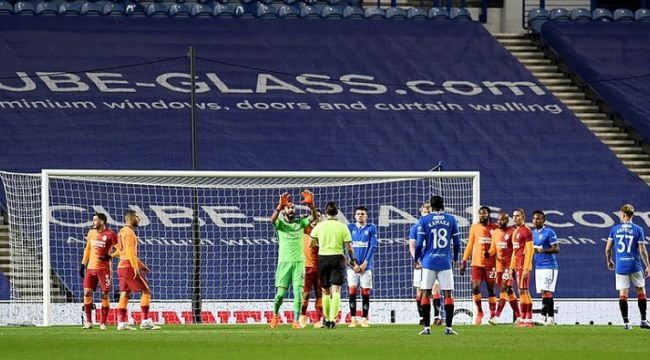 Galatasaray Avrupa'ya veda etti, kötü futbol saç baş yoldurdu