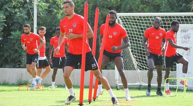 Hatayspor-Erzurumspor maçı koronavirüs nedeniyle ertelendi