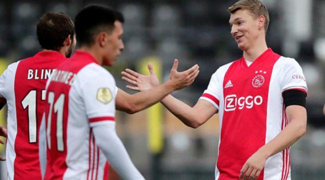 Ajax'ta 11 futbolcunun koronavirüs testi pozitif çıktı