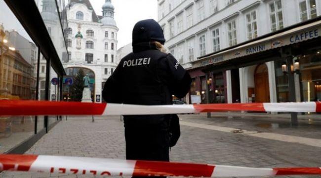 Avusturya'nın başkenti Viyana'da teröristler sinagog'a ateş açtı!