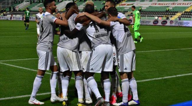 Beşiktaş, Yeni Malatyaspor karşısında Larin'in tek golüyle galip ayrıldı