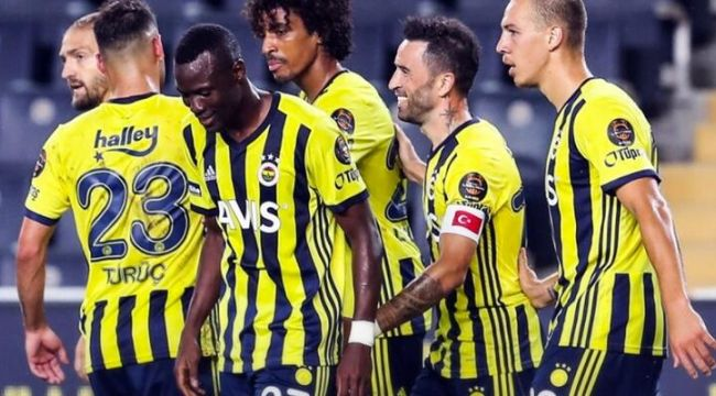 Fenerbahçe, deplasmanda Antalyaspor'u 2-1 mağlup etti