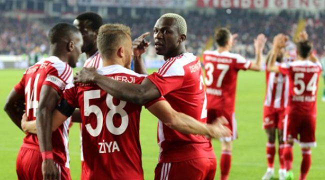 Sivasspor'da koronavirüs şoku! 2 futbolcunun testi pozitif çıktı