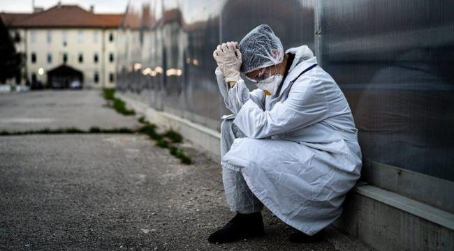 24 saatte 6 sağlık çalışanı Covid-19 nedeniyle vefat etti