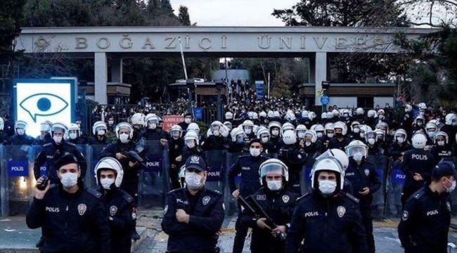 Boğaziçi eylemlerinde gözaltına alınan 21 kişi adliyeye sevk edildi