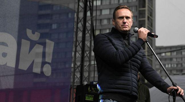Putin muhalifi Navalniy yine gözaltına alındı
