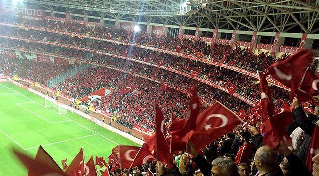 Türkiye'nin Hollanda ve Letonya maçlarını oynayacağı stadyumlar belli oldu