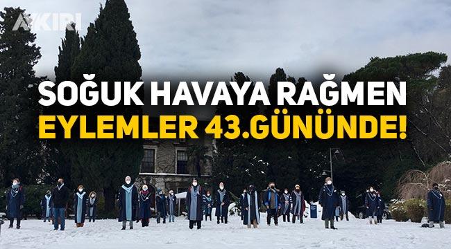 Boğaziçi Üniversitesi'nde karlı havaya rağmen protestolar sürüyor
