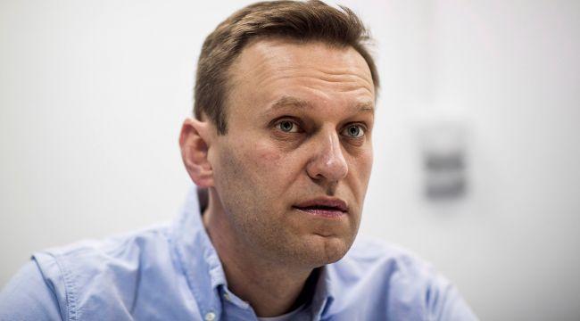 Zehirlenen Navalny'i tedavi eden doktor 'kalp krizi' geçirerek hayatını kaybetti
