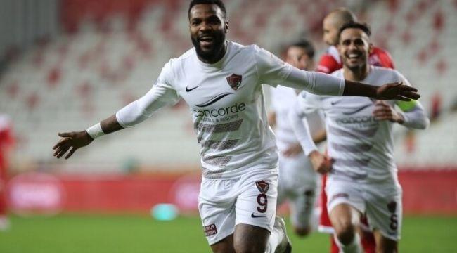 Galatasaray maçı öncesi Hatayspor'da Boupendza koronavirüse yakalandı