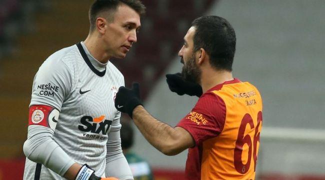 Galatasaray zirve yolunda ağır yara aldı! Sivassspor ile 2-2 berabere kaldı