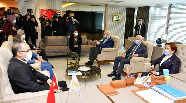 HÜDA Par heyeti, İYİ Parti Genel Başkanı Akşener'i ziyaret etti
