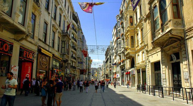 İstanbul'da İstiklal Caddesi'ne girişler kapatıldı
