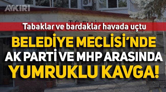 AK Parti ve MHP arasında yumruklu kavga: Tabaklar, bardaklar havada uçtu!