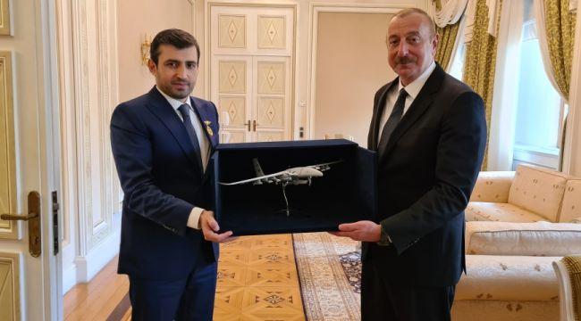 Azerbaycan'dan Selçuk Bayraktar'a ödül