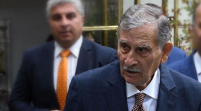 Eski Başbakan Yıldırım Akbulut hayatını kaybetti!