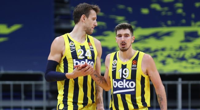 Fenerbahçe'den Vesely ve Nando De Colo açıklaması!