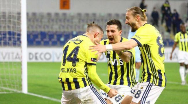 Fenerbahçe şampiyonluk yarışında Başakşehir deplasmanından 2-1'lik galibiyetle ayrıldı