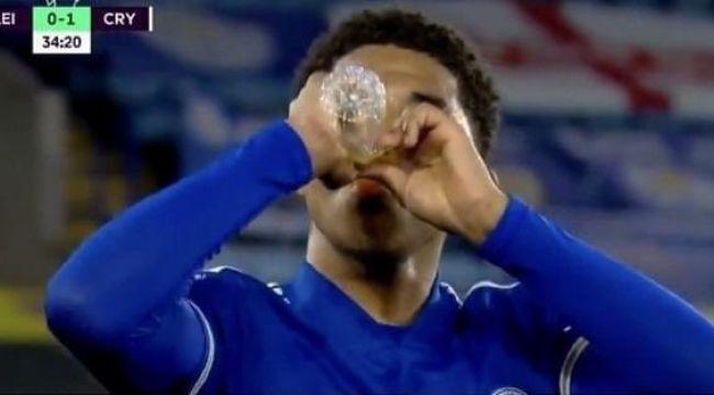 """İngiltere Premier Lig'den """"oruç"""" kararı: Hakem maçı durdurabilecek"""