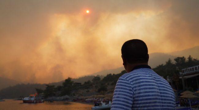 """Milas'taki yangın devam ediyor: Belediye Başkanı """"Yazıklar olsun"""" diyerek paylaştı!"""