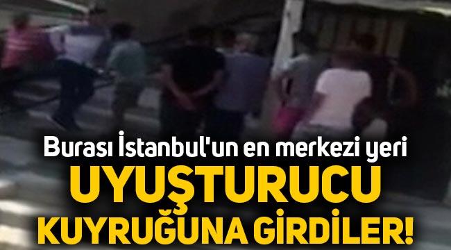 İstanbul Beyoğlu'nda uyuşturucu kuyruğuna girdiler!
