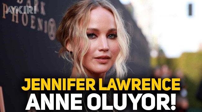 Ünlü oyuncu Jennifer Lawrence hamile olduğunu açıkladı!